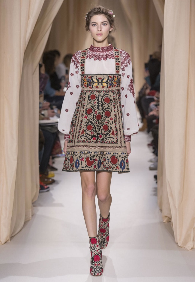 valentino-haute-couture-spring-2015-runway-photos02
