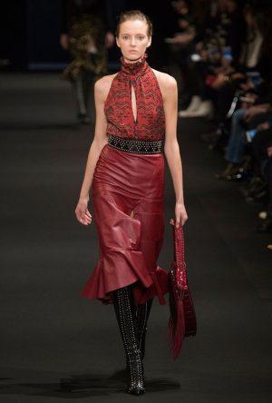 Altuzarra Debuts Handbags, 70s Luxe Looks at Fall 2015 Show