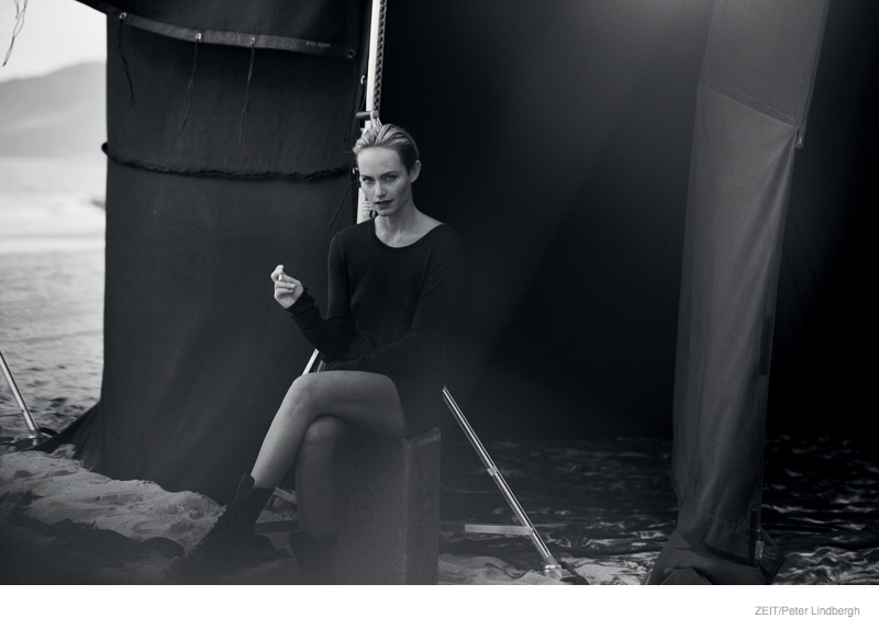amber-valletta-black-white-editorial06