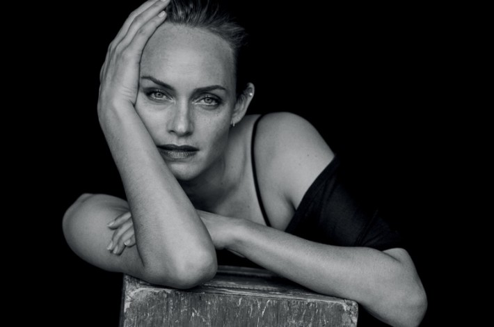 amber-valletta-black-white-editorial11