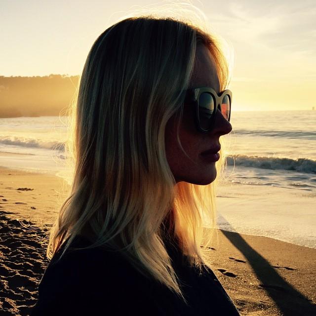 Anne V takes a beach portrait
