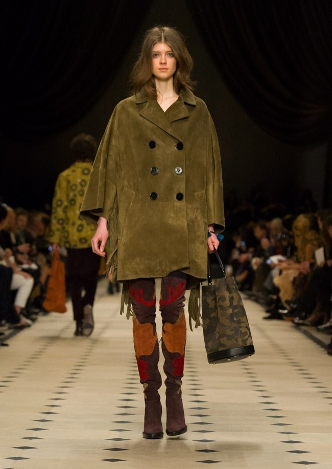 Burberry Embraces the 1970s & Fringe for Fall 2015