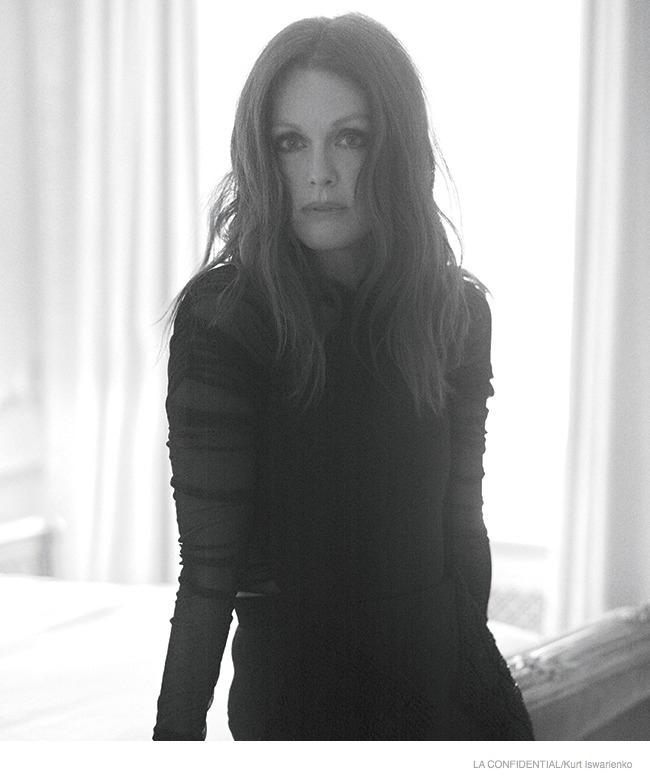 julianne-moore-sexy-fashion-shoot06