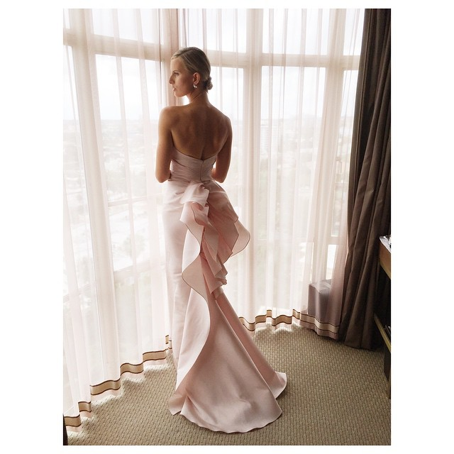 Karolina Kurkova gives another look at her Oscars gown from Sunday