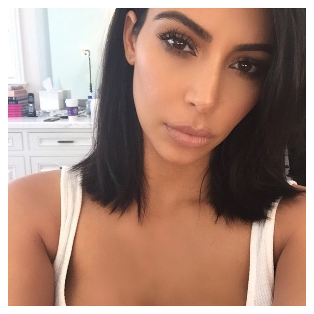 Kim Kardashian revealed a new short hairstyle on her Instagram yesterday.