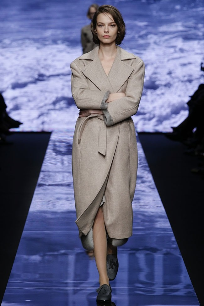 Max Mara Takes On Marilyn Monroe Style for Fall 2015