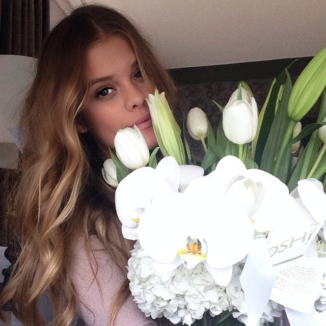 Nina Agdal get flowers from her beau