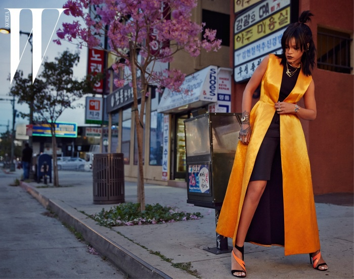 rihanna-dior-fashion-shoot-w-korea04