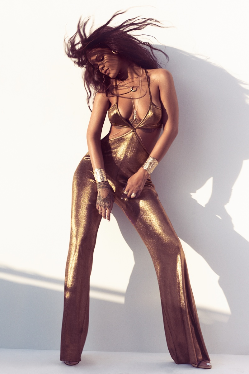 rihanna-sharks-harpers-bazaar-march-2015-photoshoot2