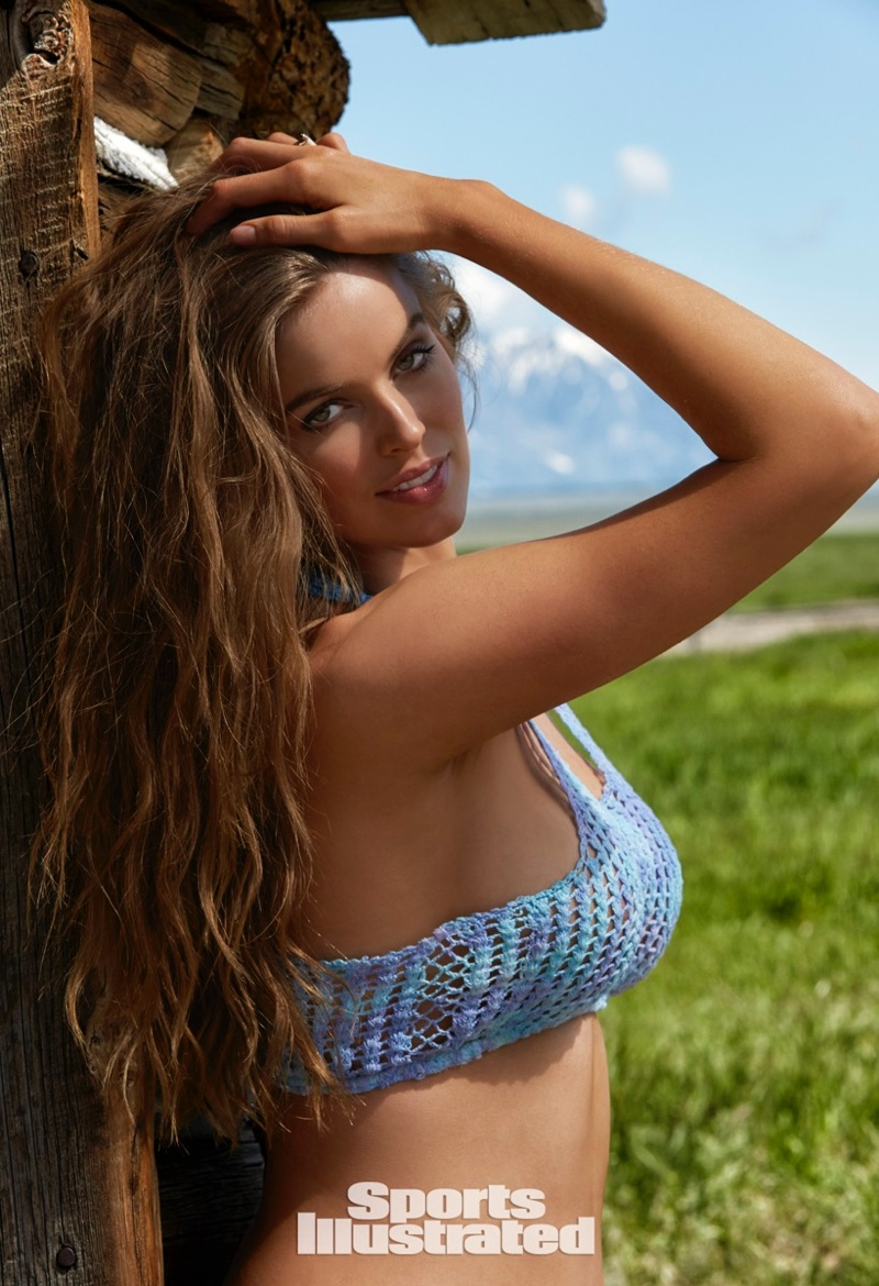 robyn-lawley-sports-illustrated-swimsuit-issue-2015-photos01