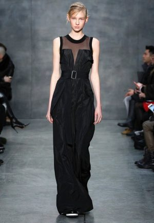Vera Wang Brings a Relaxed Silhouette to Fall 2015