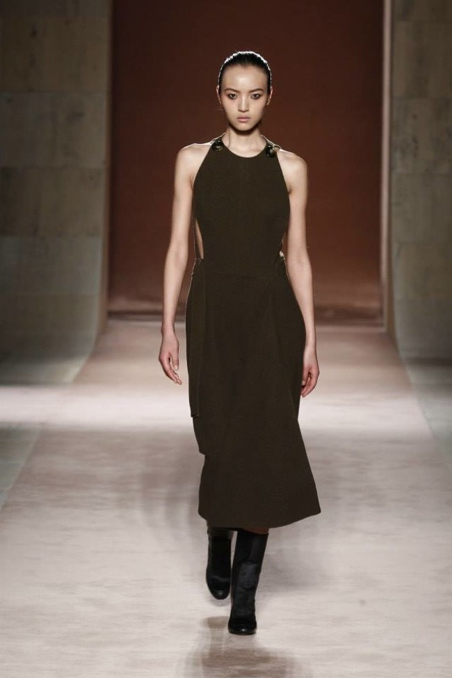 Victoria Beckham Focuses on the Dress for Fall 2015
