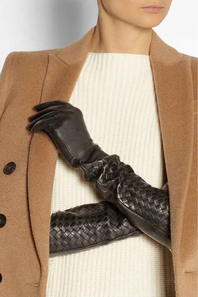 Long gloves were a sign of glamour in the 1930s. These Bottega Veneta Long Leather Gloves bring a modern look to evening wear glamour.