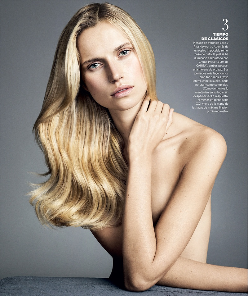 The blonde takes sleek and polished waves for this image