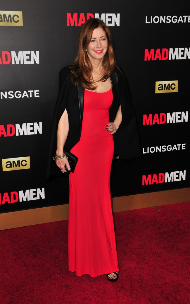 Dana Delany also stuck to the black and red theme with a cape and gown. Photo: Koi Sojer / PR Photos