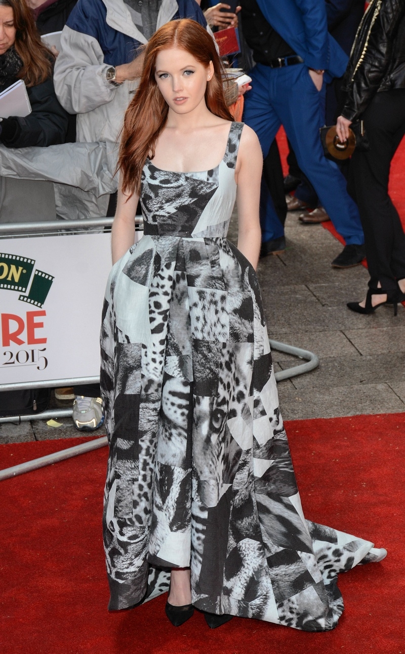 Ellie Bamber donned a black and white Giles gown. Photo: Landmark / PR Photos