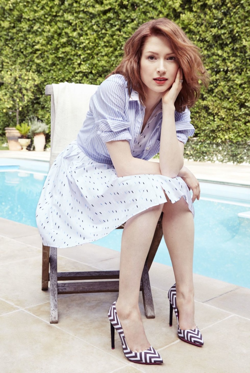 'Unbreakable Kimmy Schimdt' star Ellie Kemper stars in the April 2015 issue of Redbook.