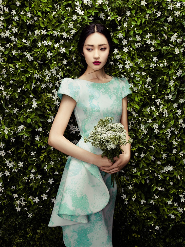 A floral theme runs throughout Phuong My's spring 2015 collection