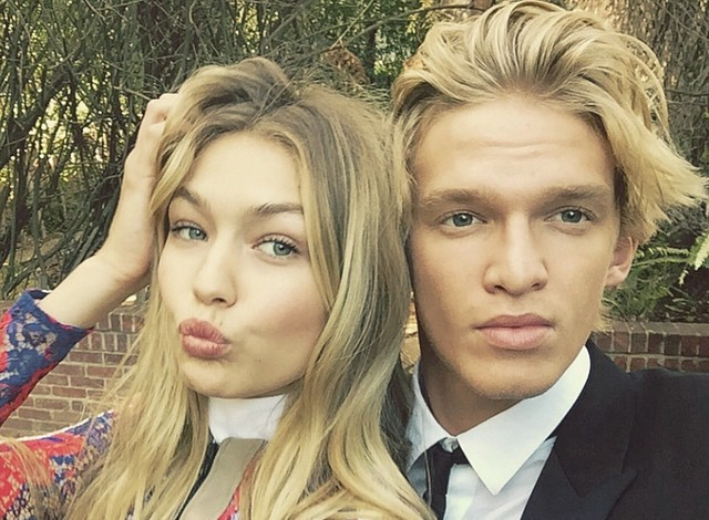 gigi-hadid-cody-simpson-photo