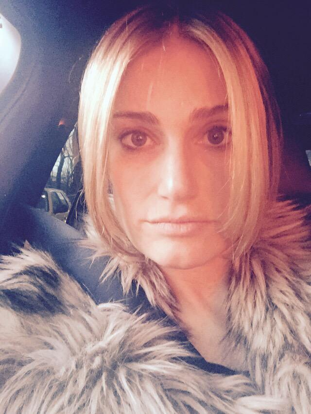 Idina Menzel has gone blonde, channeling her character of Elsa in 'Frozen'. Photo via Twitter.