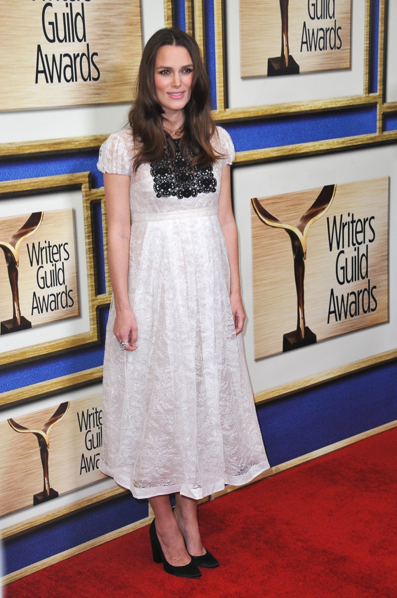 Keira Knightley opted for a white Burberry dress with black detailing in 2015.  Photo: Shutterstock.com