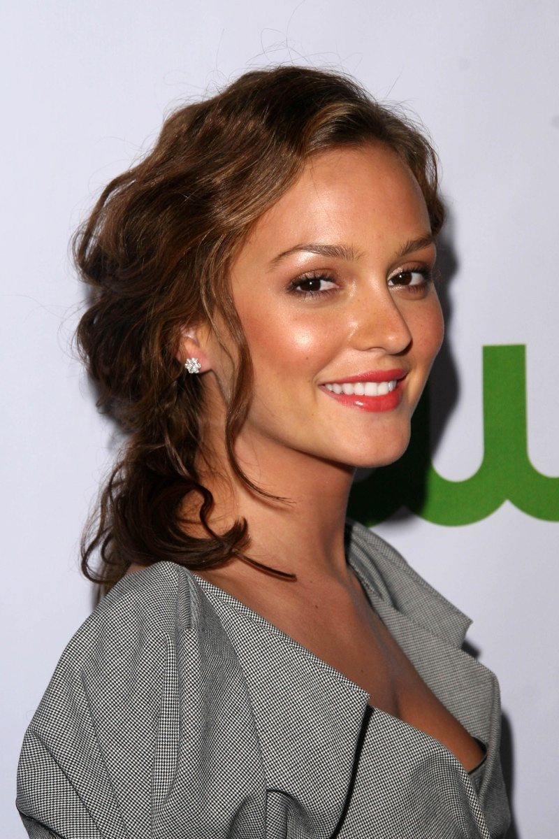 Leighton Meester opts for a texturized ponytail featuring sexy waves. Photo: Shutterstock.com