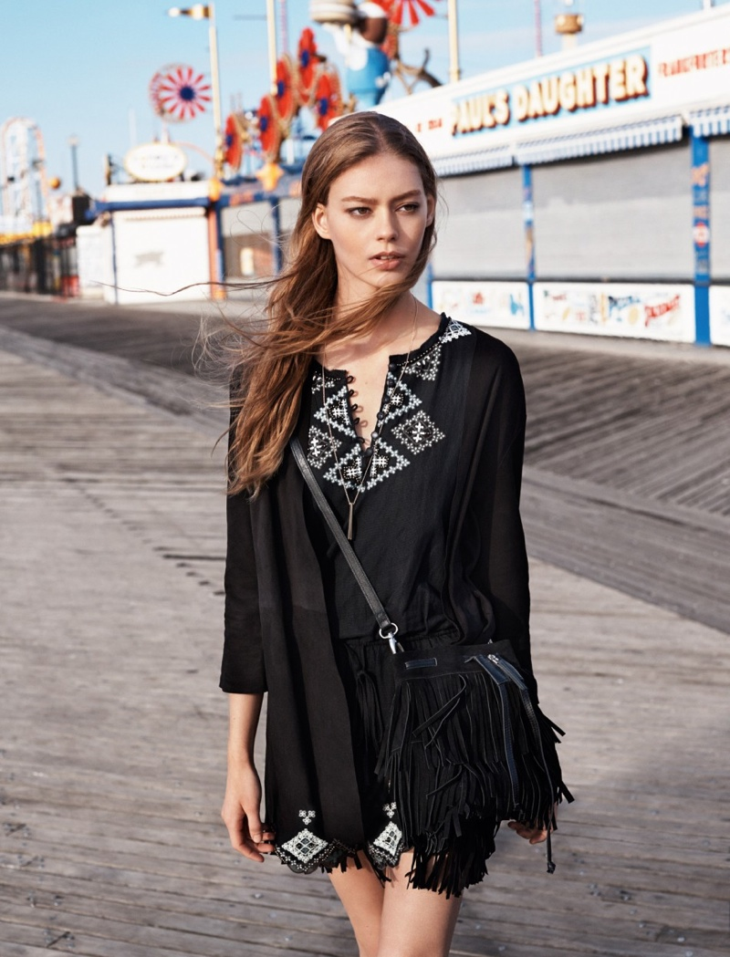 The Spanish clothing retailer offers kaftans for the new season.