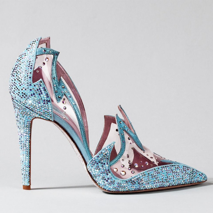 Rene Caovilla opted for a look with blue and pink tones, trading in the traditional clear and silver look. Full of sparkle and shine, it truly is a fantasy.