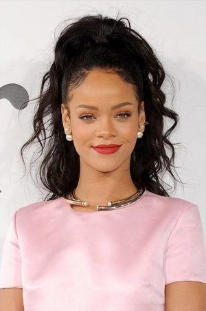 Rihanna is Dior's First Black Spokeswoman, Marc Jacobs' New Fragrance + More News