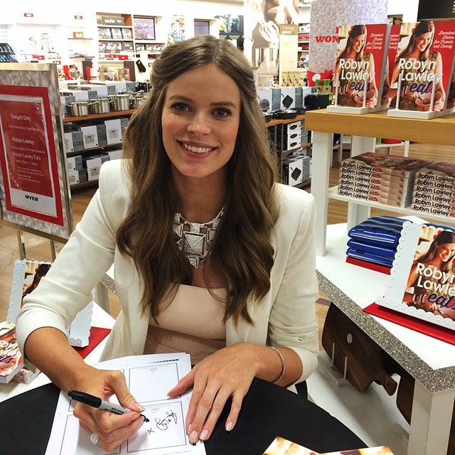 Robyn Lawley Gives Birth to Baby Girl