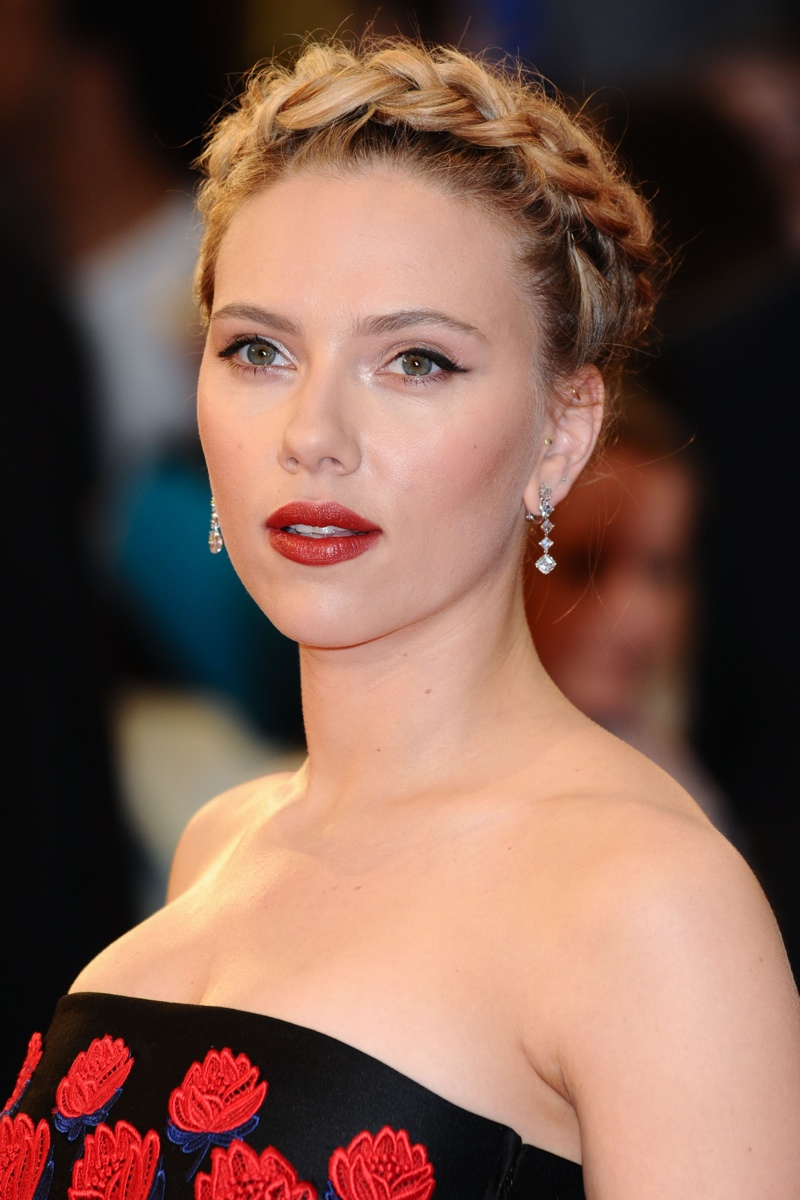 Scarlett Johansson shows off a blonde milkmaid braid