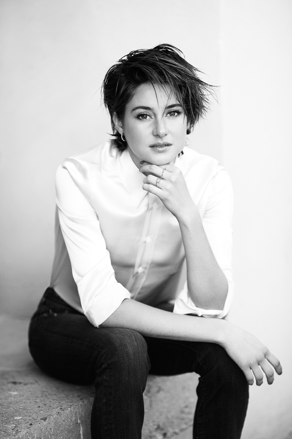 In her interview, Shailene talks about how she doesn't consider herself a feminist.