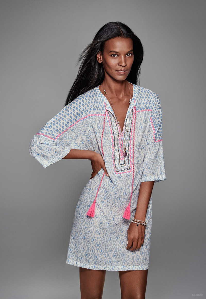 Liya Kebede is ready for spring in a grey and pink kaftan.