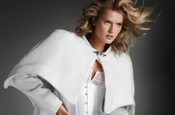 toni-garrn-hunter-gatti-white-looks13