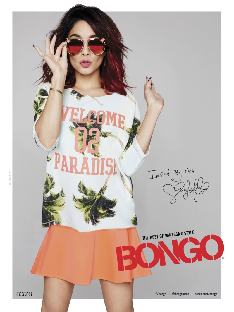 "In this image, Vanessa gets tropical with a shirt that reads: ""Welcome 02 Paradise"""