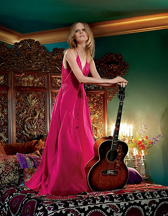 The blonde looks pretty in a hot pink Calypso gown