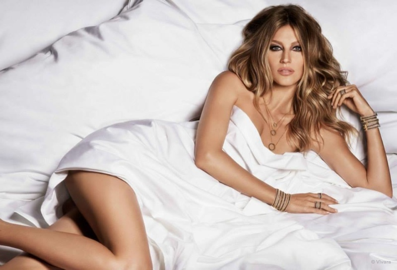 Gisele Bundchen Gets Naked in Bed for Vivara Jewelry