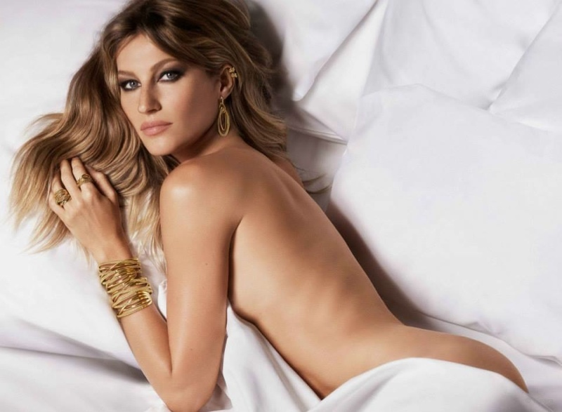 Gisele bundchen gets naked in bed for vivara jewelry for Affitti cabina lago kerr scott