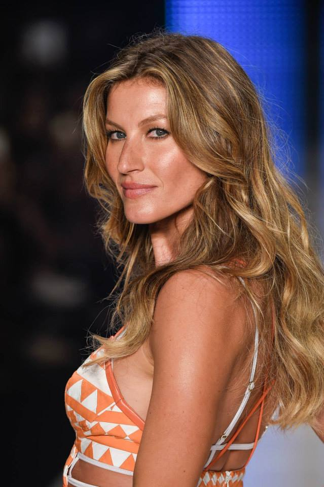Gisele Bundchen at her final Colcci show in Brazil. Photo via Label.