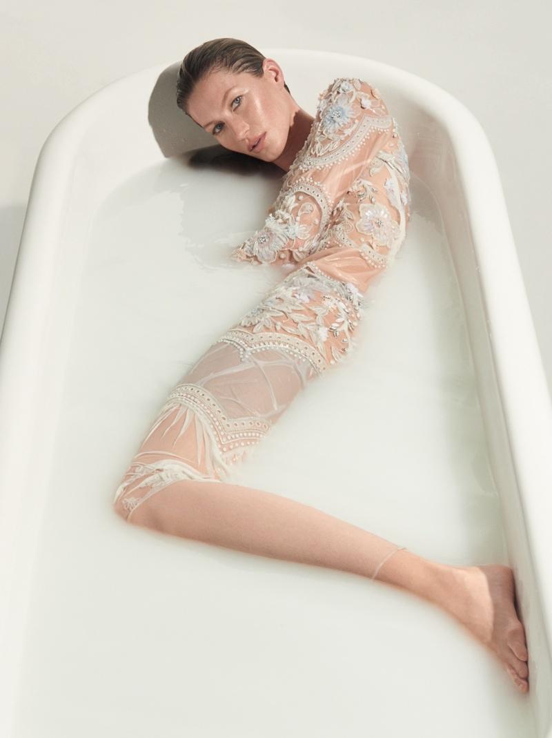 Gisele Bundchen celebrates twenty years of modeling this year. Photo: Zee Nunes
