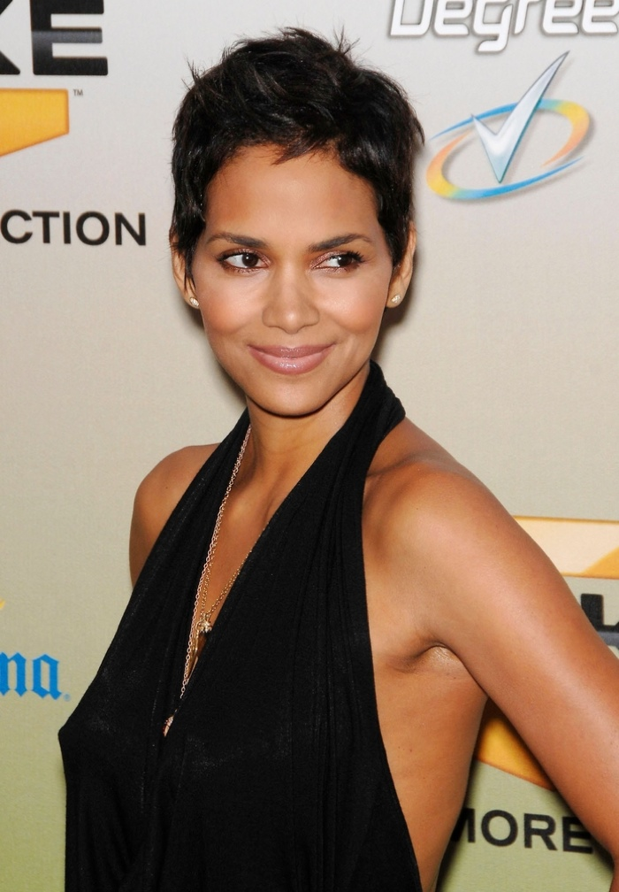 Halle Berry is probably the most famous celebrity who sports the pixie haircut. Photo: Everett Collection / Shutterstock.com