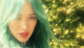 BEFORE: Hilary Duff with blue hair in March. Photo via Instagram.