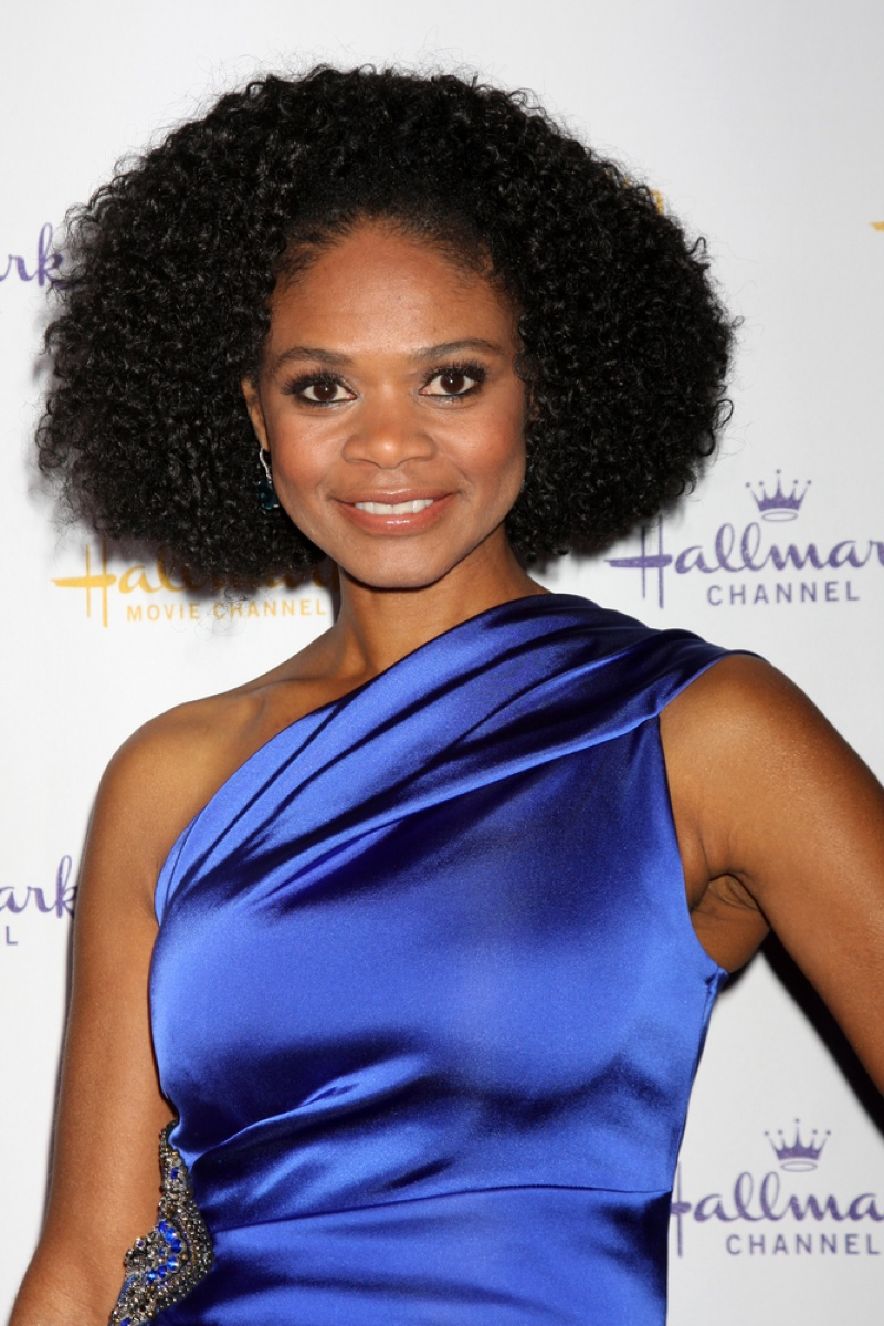 Actress Kimberly Elisa often wears her natural hair on the red carpet. Helga Esteb / Shutterstock.com