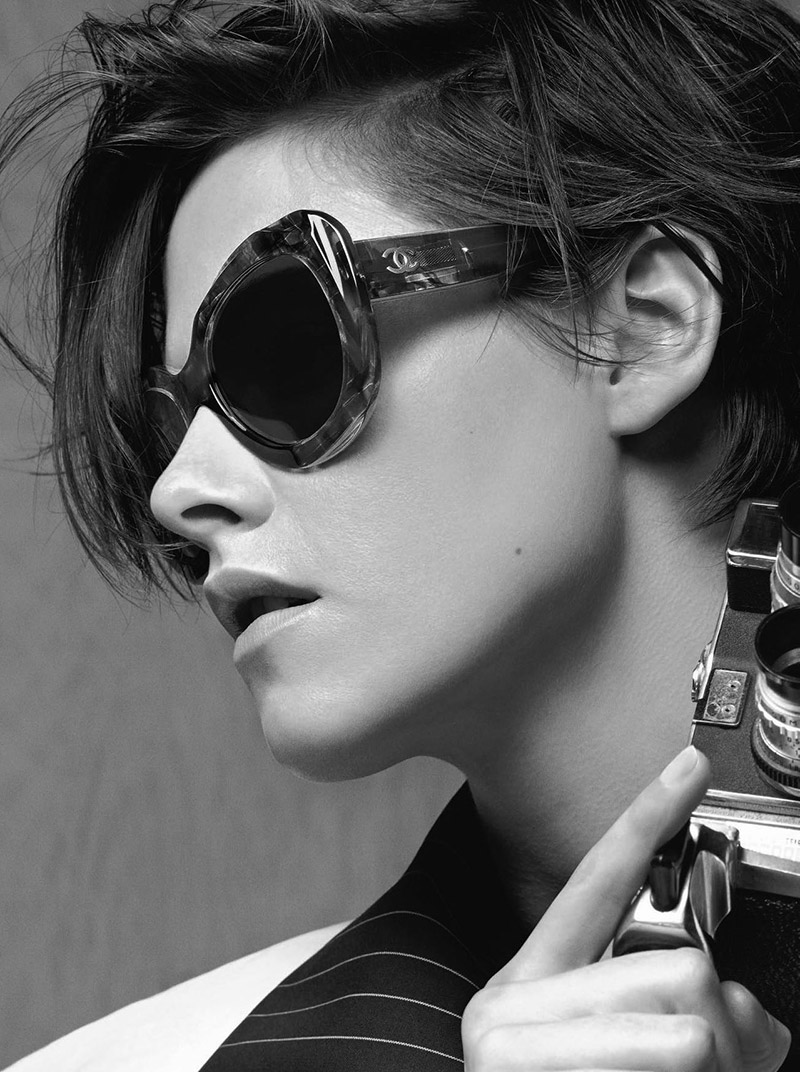Kristen previously appeared in a handbag campaign from the French fashion brand.
