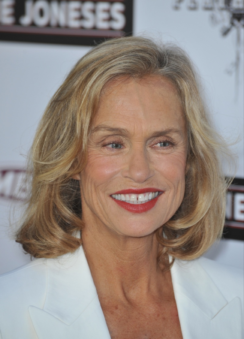 Lauren Hutton started off the gap tooth model trend. Rising to fame in the 70s, the American beauty has the most Vogue US covers, appearing 26 times on the magazine and had a lucrative contract with Revlon. Photo: Jaguar PS / Shutterstock.com
