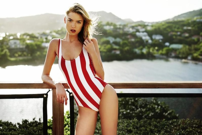 The blonde babe rocks vertical stripes from the Solid & Striped collection