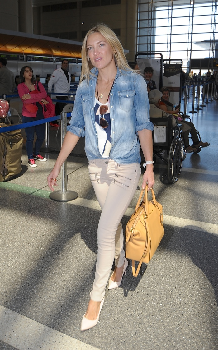Kate Hudson spotted in another denim look with her MICHAEL Michael Kors 'Riley' Satchel Bag. Photo: Vladimir Labissiere / Splash News