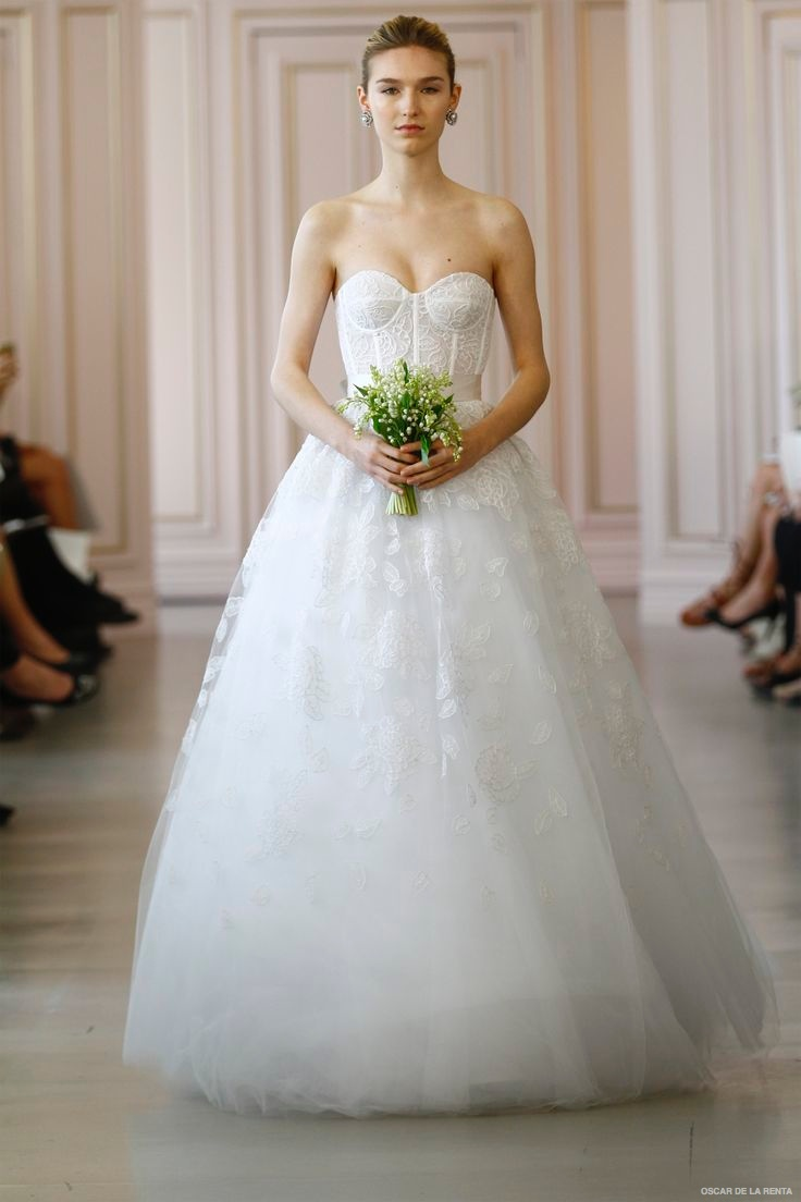 Oscar de la renta 2016 spring summer wedding dresses for Oscar de la renta short wedding dress