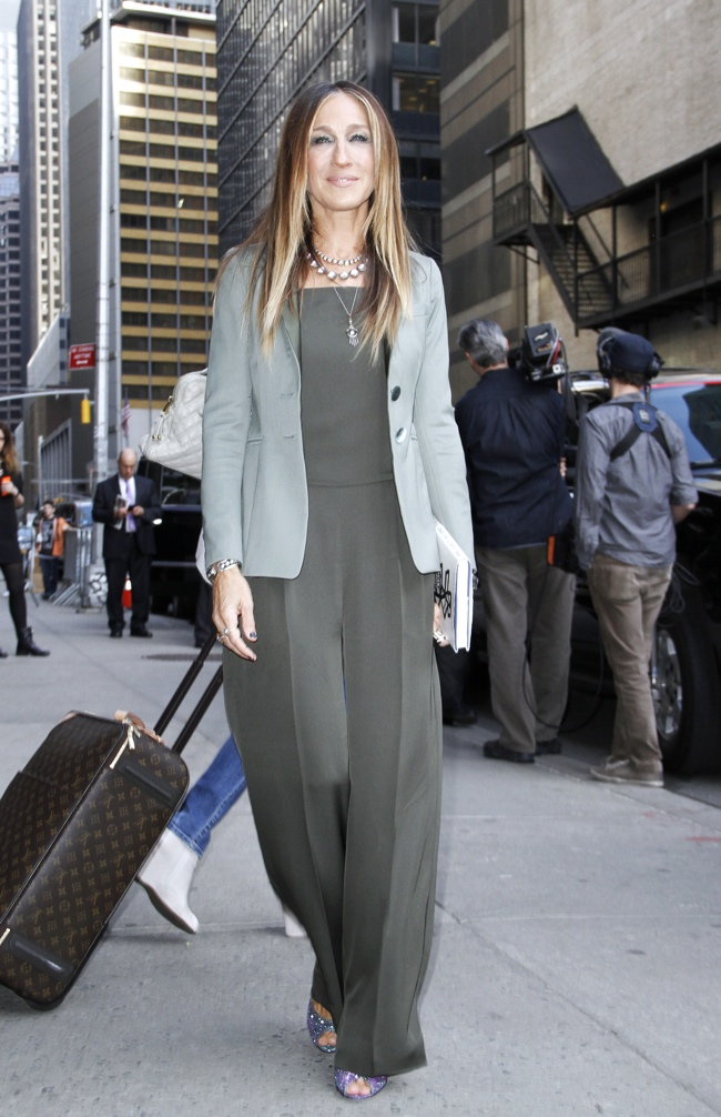 Sarah Jessica Parker wore a  Theory jumpsuit and blazer outside at 'The Late Show with David Letterman'. Photo: M Van Niedek / PRPhotos.com