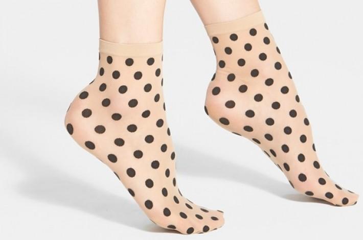 wolford-leonie-polka-dot-socks